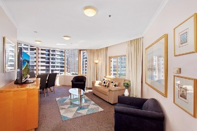 Prestige Quay West Fully-Furnished Executive Apartment in the Heart of Sydney!