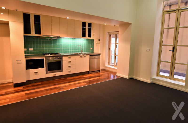NEGOTIABLE RENTAL PRICE - TWO BEDROOM APARTMENT - GREAT LOCATION