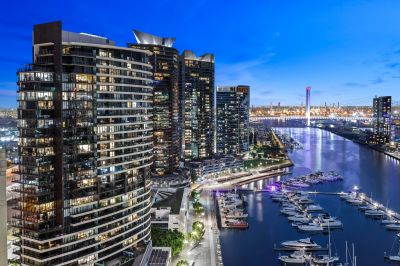 Incredible Marina & Port Philip Bay views and stylish renovated touches