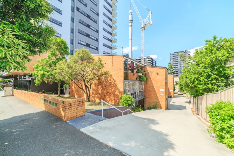 4/20 Edmondstone Street South Brisbane 4101