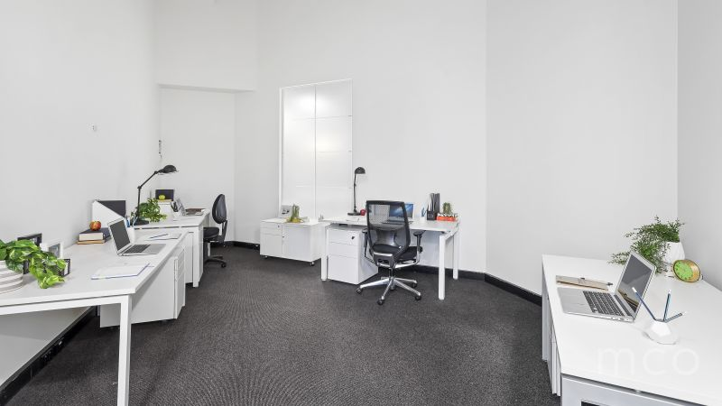 Don't miss this fantastic opportunity for a spacious office with a prestigious business address