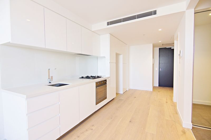 Marco - Brand New 1 Bedroom Apartment with Modern Finishes in Prime Southbank Location!