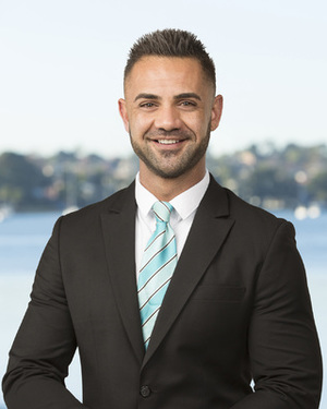 Curtis Christofi Real Estate Agent