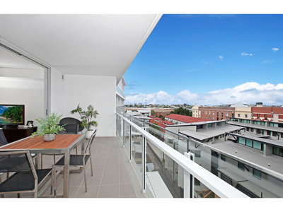 Brand New Apartment - Perfect Location - The Place to Be!