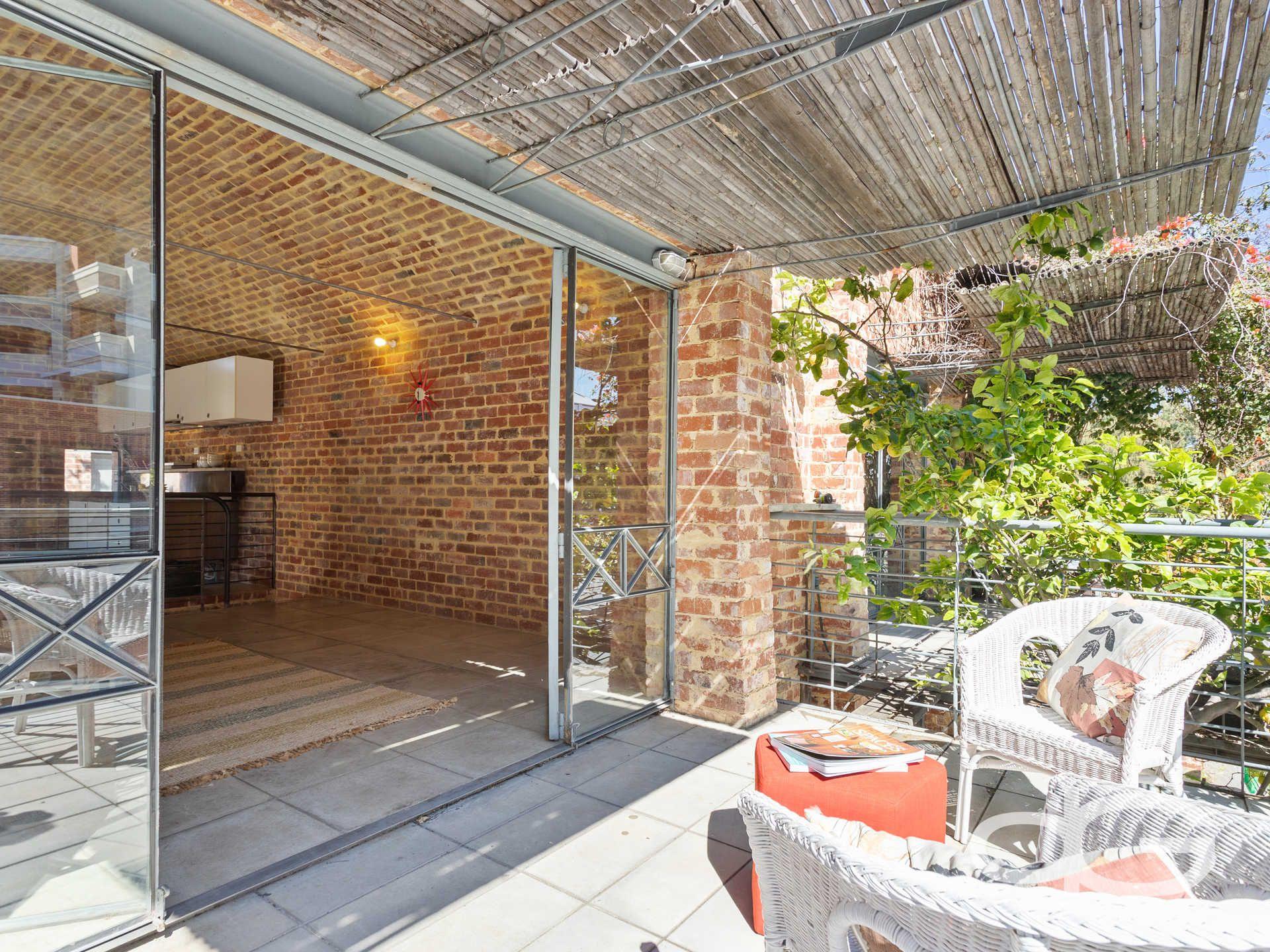 2C Council Place, East Fremantle