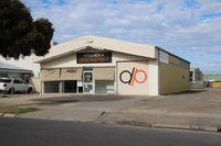 Versatile central commercial premises