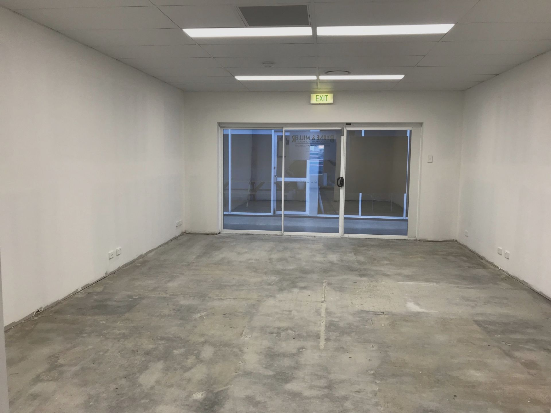 Open Plan First Floor Office in 8th Avenue Plaza