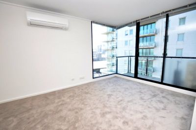 Yarra Crest: Bright and Spacious One Bedroom Apartment Awaits!