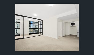 Stylish & Spacious One Bedroom Apartment on Level 18