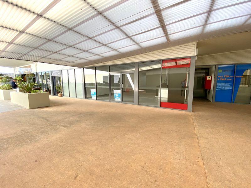 Retail Shop in Complex Anchored by Aldi