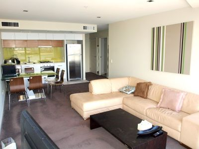 Victoria Point - FULLY FURNISHED: Stunning Harbour Views!