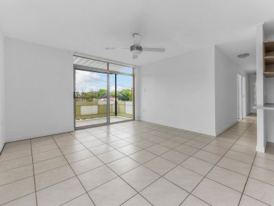 Freshly Renovated Apartment in Great Location + washer & dryer