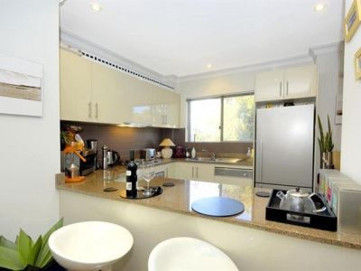 Beautiful & Spacious 2 Bedroom Apartment close to iconic Bondi Beach