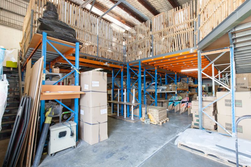 RARE FREESTANDING WAREHOUSE Vendor Relocating – Will Be Sold