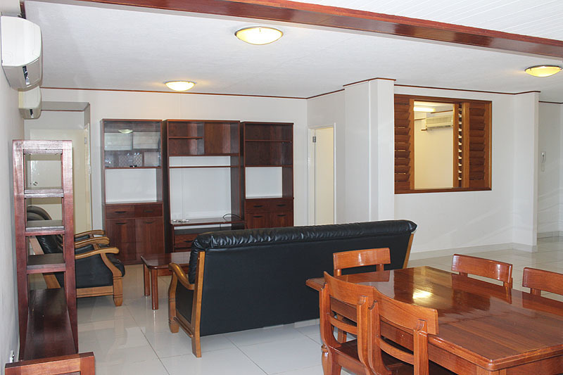 A Well Presented Apartment! Bayview U2