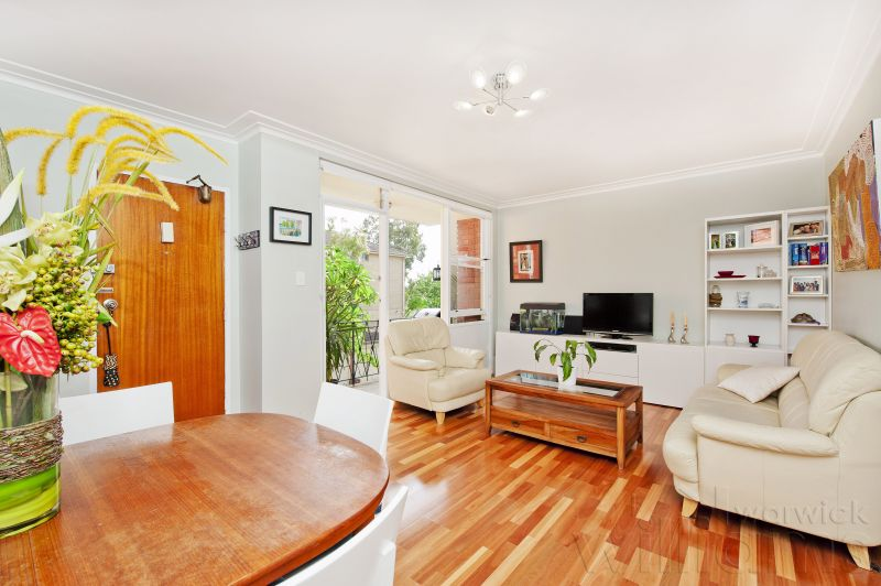 LIGHT-FILLED STYLISH AND RENOVATED