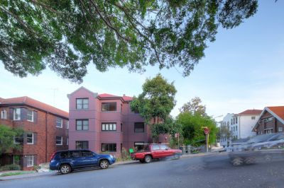 Fully renovated Two bedroom apartment located in a well maintained security building.