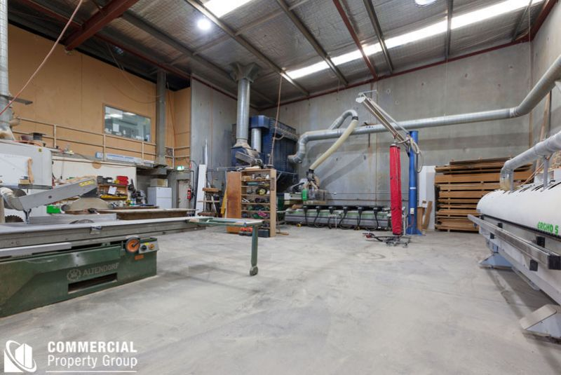 King of The Hill – 431m²* Prime Industrial Unit