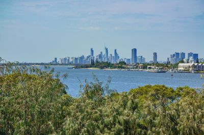 Stunning Broadwater and Surfers Paradise Views - Owner Says Sell!
