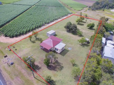 HOME SWEET HOME - CHARMING HOME ON 1 ACRE!