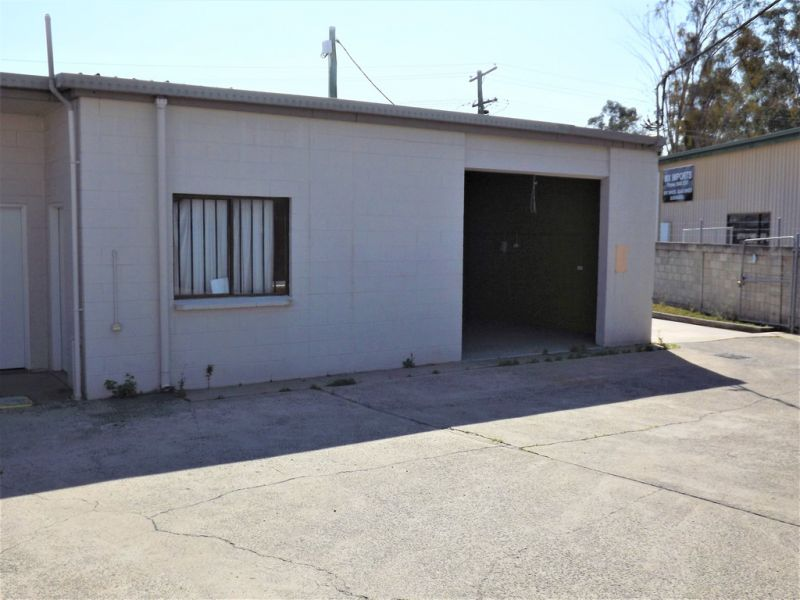 96 Sqm* Industrial Unit With High Exposure