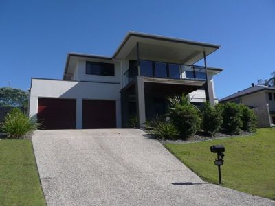 Large 5 Bedroom Home - Reserve Rise Estate - Upper Coomera