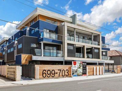 Bright & Spacious Modern Apartment