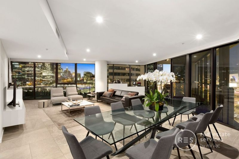 The Pinnacle of Docklands Luxury in Yarra's Edge