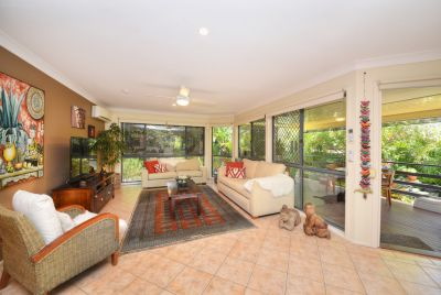 DUAL LIVING FAMILY HOME 4 BEDS PLUS STUDY
