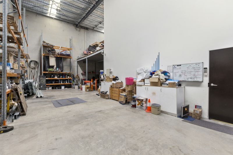 407m2* MURARRIE CORPORATE OFFICE / WAREHOUSE