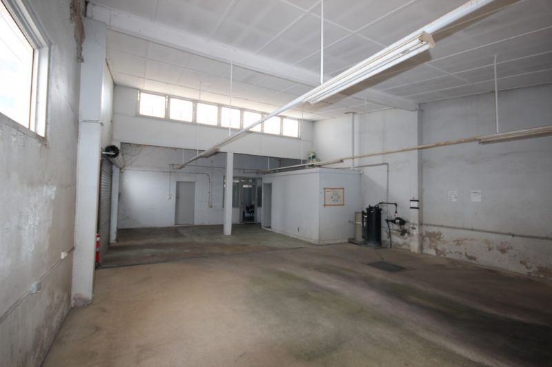 Warehouse/Office Space suit inner city detailer