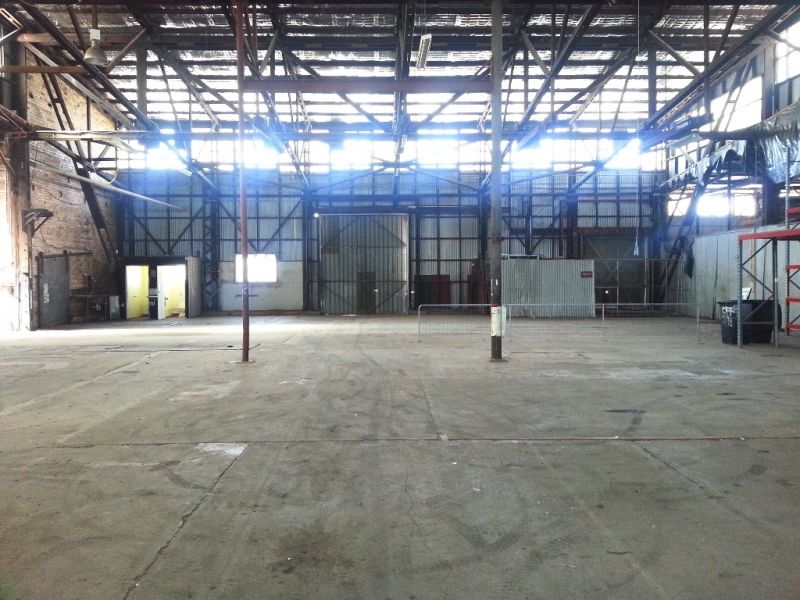 AFFORDABLE 1,380m² NORTHGATE WAREHOUSE CLOSE TO GATEWAY