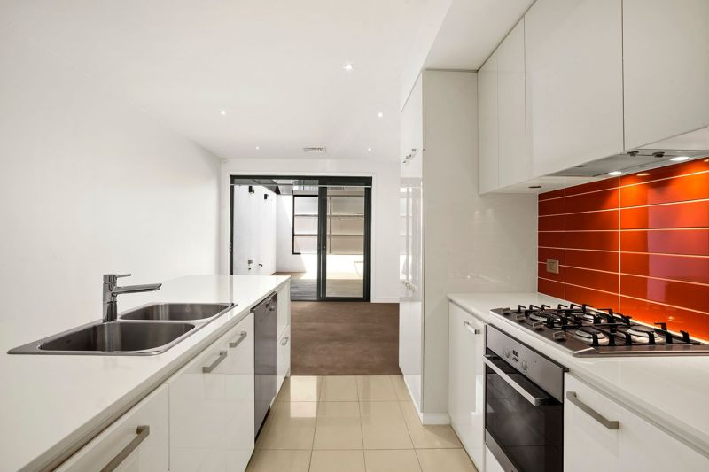 Highly sought after townhouse in the Docklands