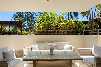 IMMACULATE COURTYARD APARTMENT - PET FRIENDLY!
