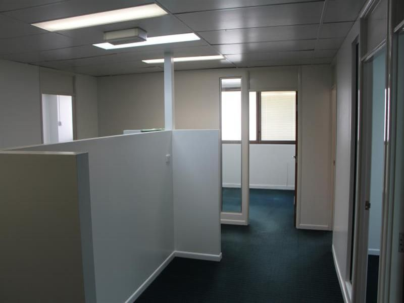 CHEAP FITTED OUT OFFICE - MAKE AN OFFER!