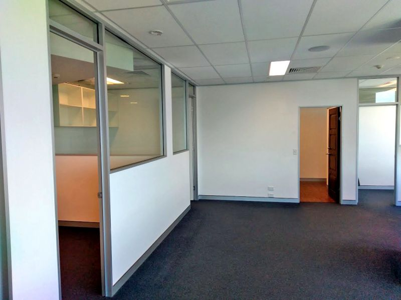 Fully-Fitted Corner Office Suite - Southport Central