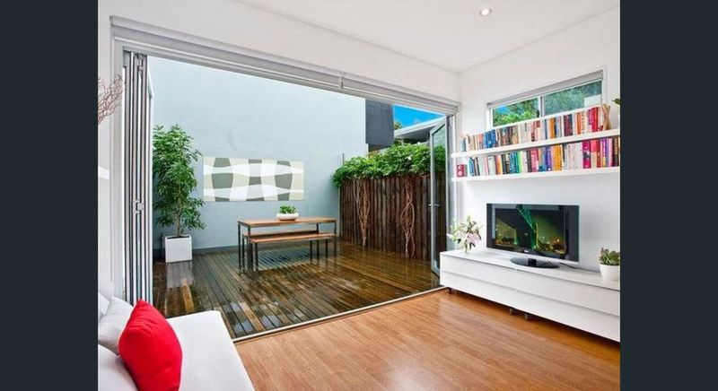 Modern Terrace in Perfect Location