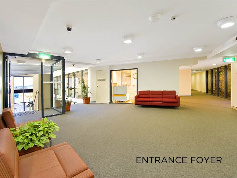 High quality office space with full fitout!!