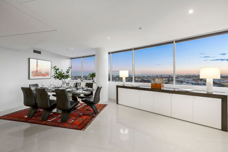 Tower 4 - A masterpiece of Docklands living