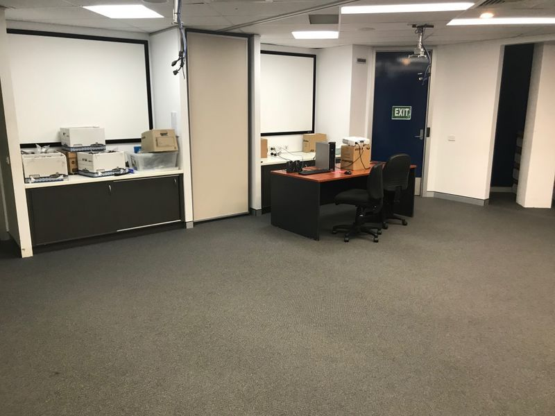 MODERN FULLY PARTITIONED OFFICES