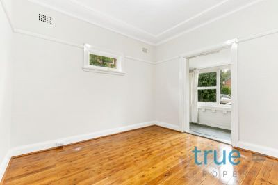 = HOLDING DEPOSIT RECEIVED = RENOVATED AND STUNNINGLY PRESENTED IN IDEAL LOCATION
