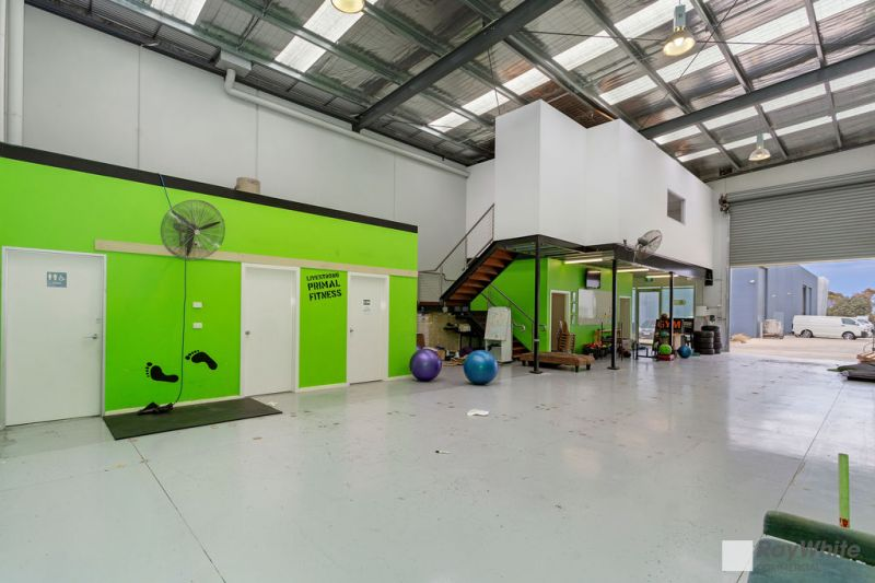 Perfect Mix of Office / Warehouse - Invest now Occupy Later!