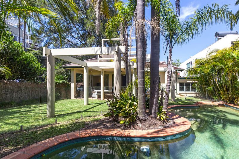 Beach House of Style and Quality (Short Term Rental 3-6 Months, Private Inspections Available)