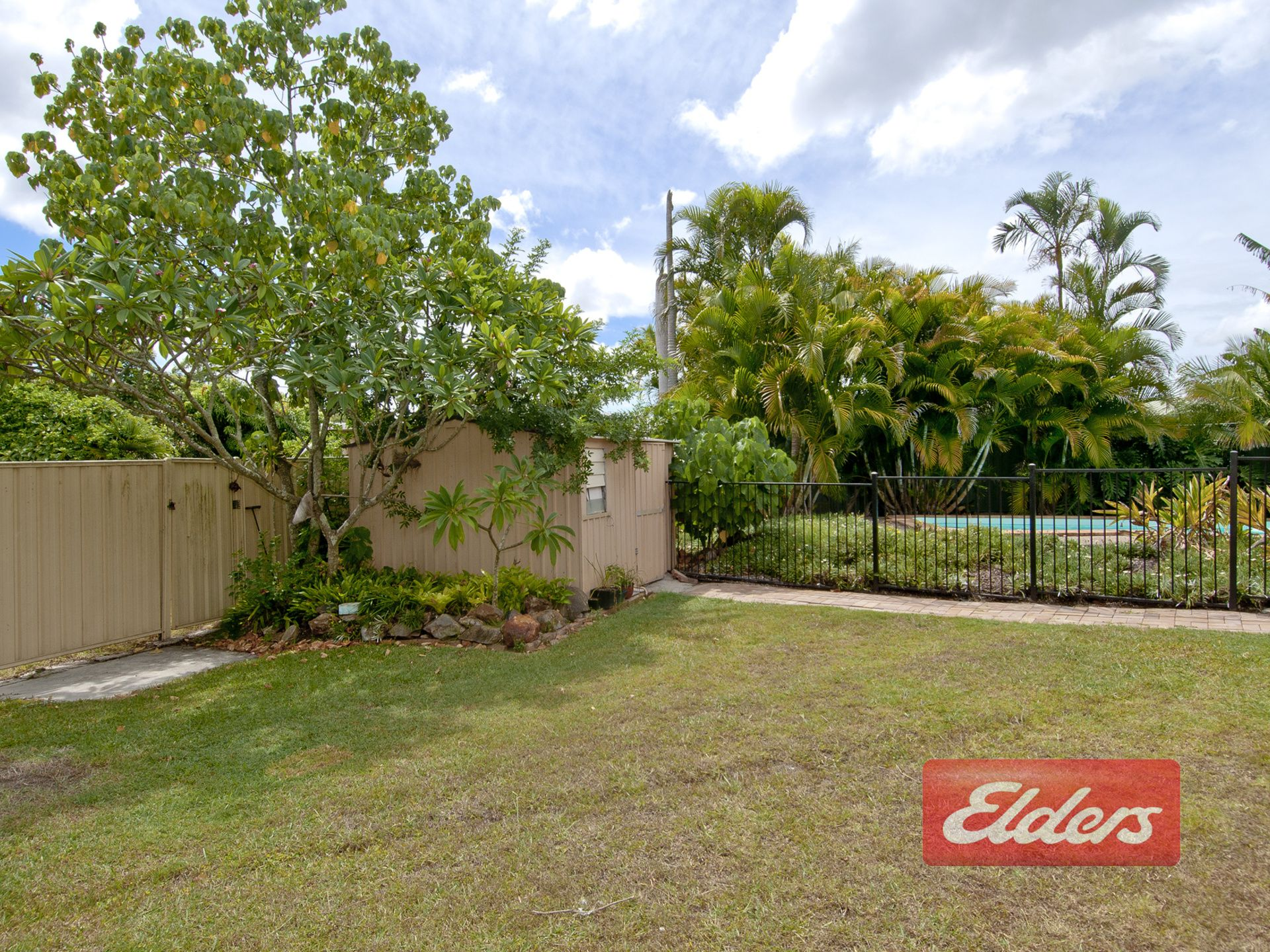 8 CAHORS COURT, Mount Warren Park