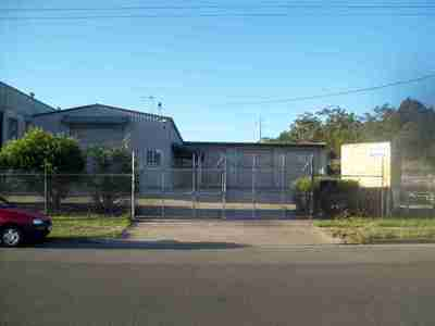 Stand alone industrial shed in Caloundra West