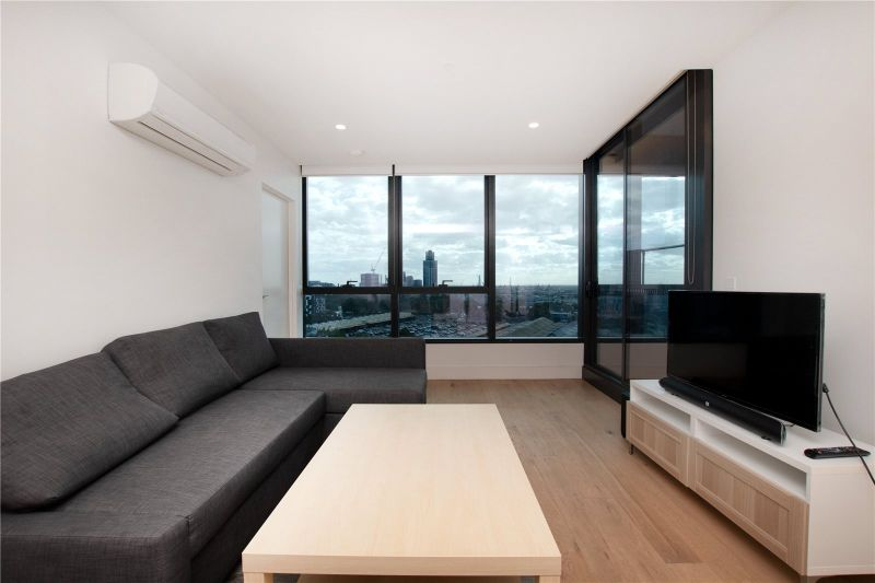 Vision: Furnished Three Bedroom Apartment in the Heart of CBD!