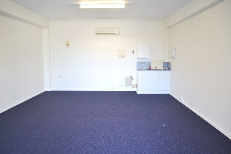 Motivated Landlord, Ground Floor Unit, Stop Working From Home!