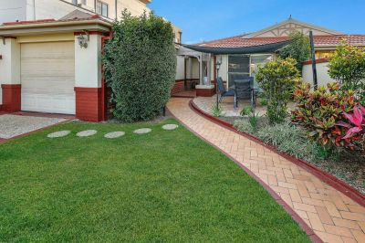 COMPLETELY RENOVATED LOWSET DUPLEX