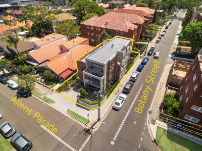 Superb Opportunity! Beautifully Renovated Block of 5 Apartments in the Heart of Bondi Junction offers 2 Street Frontages and O/S Parking for 7 Cars