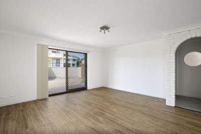 TIDY 2 BEDROOM UNIT CLOSE TO PACIFIC FAIR